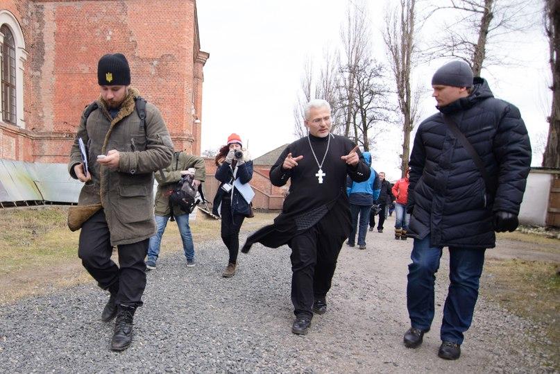 Єврофорумчани ховаються по криївках - церквах