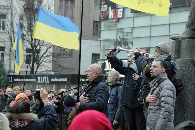 Євромайдан співає гімн