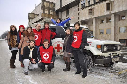 Команда и  броневичек Красного Креста