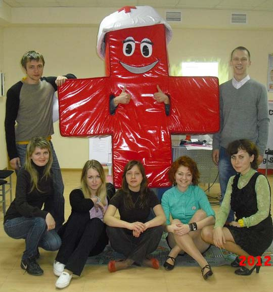 ФРІ школа харківська у квітні. У одежі Червоного Хреста (плюса)