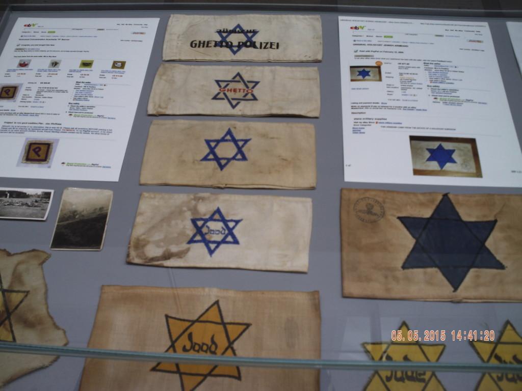 Зірки Давида, що їх носили євреї у гетто та на фабриці Шиндлера