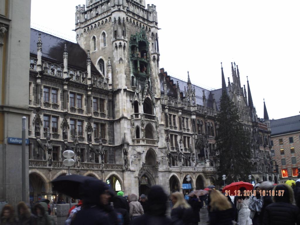 Christmas tree Munich daytime